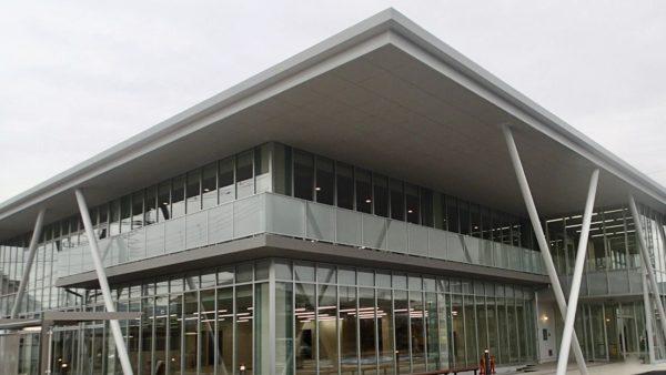 清水町図書館・保健センター